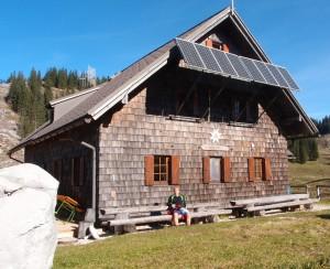 Kurze Rast bei der Ybbstalerhütte