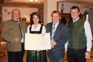 Liebe Annemarie, lieber Helmut, gratuliere zum gelungenen Projekt und herzlichen Dank für die Einladung.