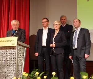 Die Mitglieder der OÖ Landesregierung präsentierten die Workshopbeiträge im Plenum