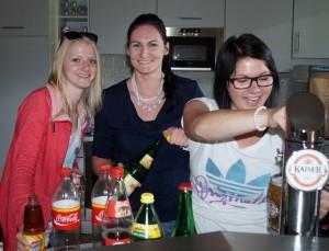 Verena, Eva und Karina betreuten die Fans bestens - danke für eure Hilfe!