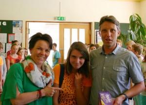 Mathelehrerinn elisabeth Simetzberger und Direktor Thomas Holzgruber gratulierten herzlich!
