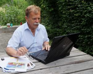 Büroarbeit im Garten
