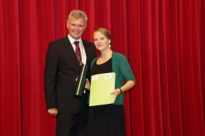 Verleihung des Dekretes durch Rektor Dr. Chritoph Berger