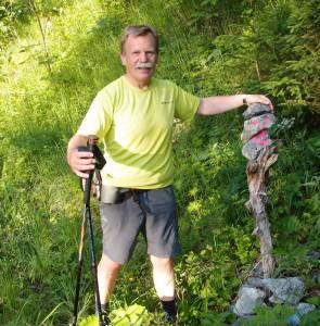Ein freundliches Steinmanderl weist uns den Weg.