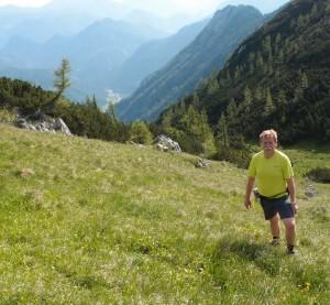 Abstieg - im Tal sieht man Rotmoos