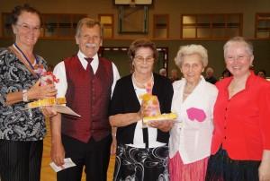 Leopoldine Reisinger und Marianne Höfer, zwei Stammgäster durfte ich Ehrenurkunden überrreichen!