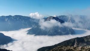 Blick Richtung Hochschwab - die Riegerin erhebt sich aus dem Nebelmeer