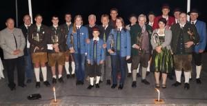 Echobläser und Ehrengäste auf der Bühne