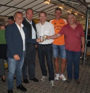 Bergrettunsobmann Norbert Fallmann freute sich über vile gäste - danke für die gute Zusammenarbeit!