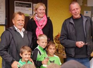 Mit der Obfrau des Sportsausschusses Kati Hudler durfte ich unseren Obmann bei der Siegerehrung unterstützen.