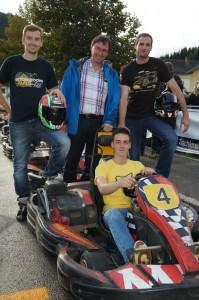 Teamchef Heli Dauerer mit der Siegermannschaft - Gratuliere!