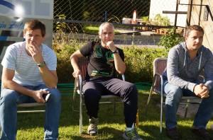 Obmann, Trainer und Sektionsleiter verfolgen gespannt das Match