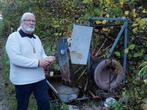 Die selbstgebaute, umweltfreundliche Schleifmaschine läuft Tag ung Nacht