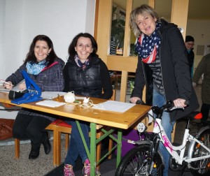 Michi, Sabine und Monika freuen sich auf euren Besuch